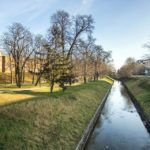 Alter Wassergraben entlang der Stadtbefestigung (Stadtmauer) in Trnava