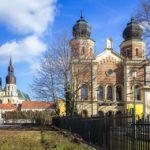 Die neologische Synagoge und der Nikolausdom in Trnava
