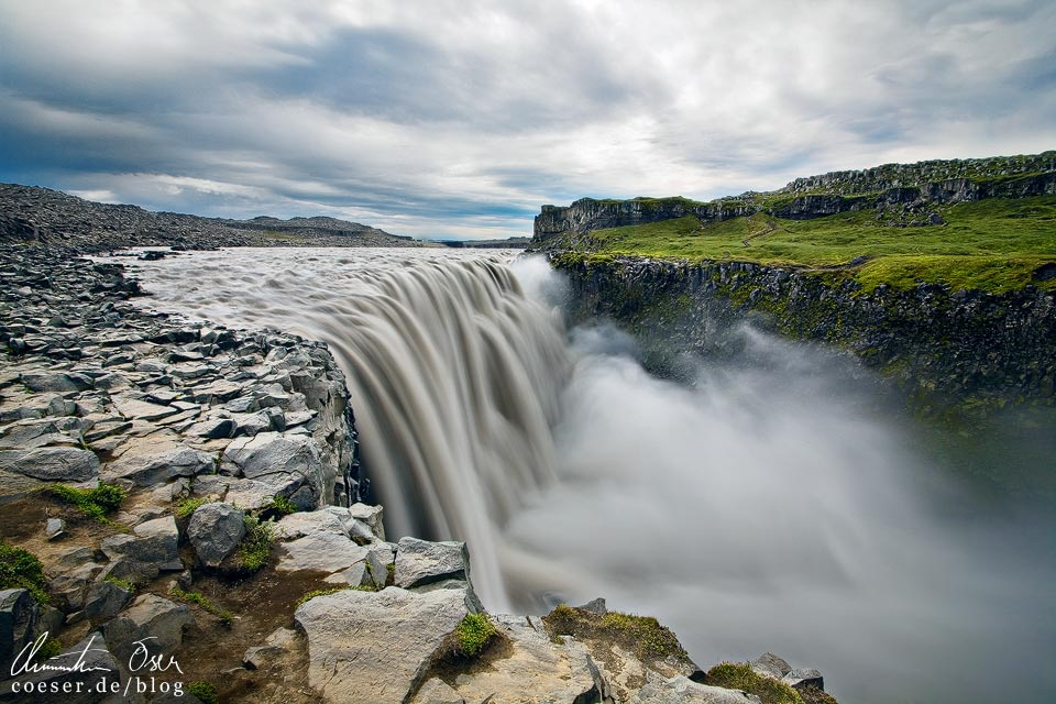 Der Wasserfall Dettifoss in Island
