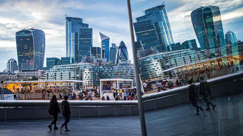 Spiegelung der Skyline von London
