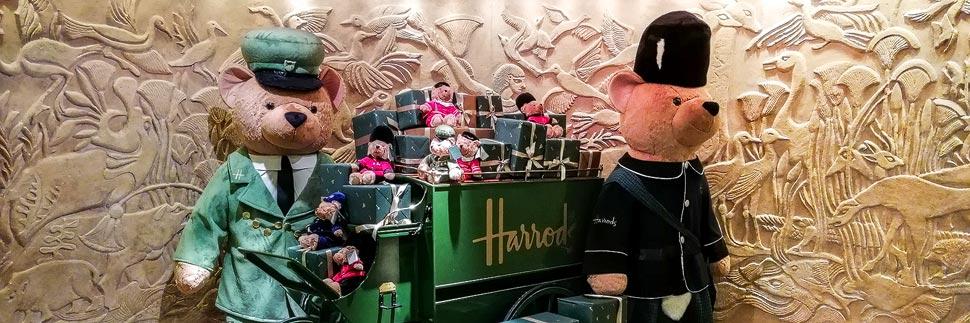 Bären im Warenhaus Harrods in London