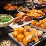 Delikatessen in den Food Halls im Warenhaus Harrods in London
