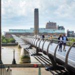 Blick auf die Millennium Bridge und Tate Modern