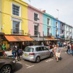 Bunte Häuser im Londoner Stadtviertel Notting Hill