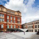 Außenansicht des Victoria and Albert Museum (V&A) in London