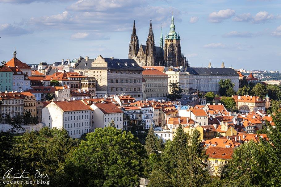 Blick auf Prag vom Aussichtspunkt Vlašská