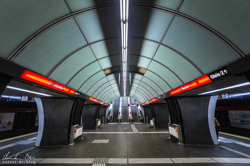 U1-Station Karlsplatz der Wiener U-Bahn · Architekt: Kurt Schlauss