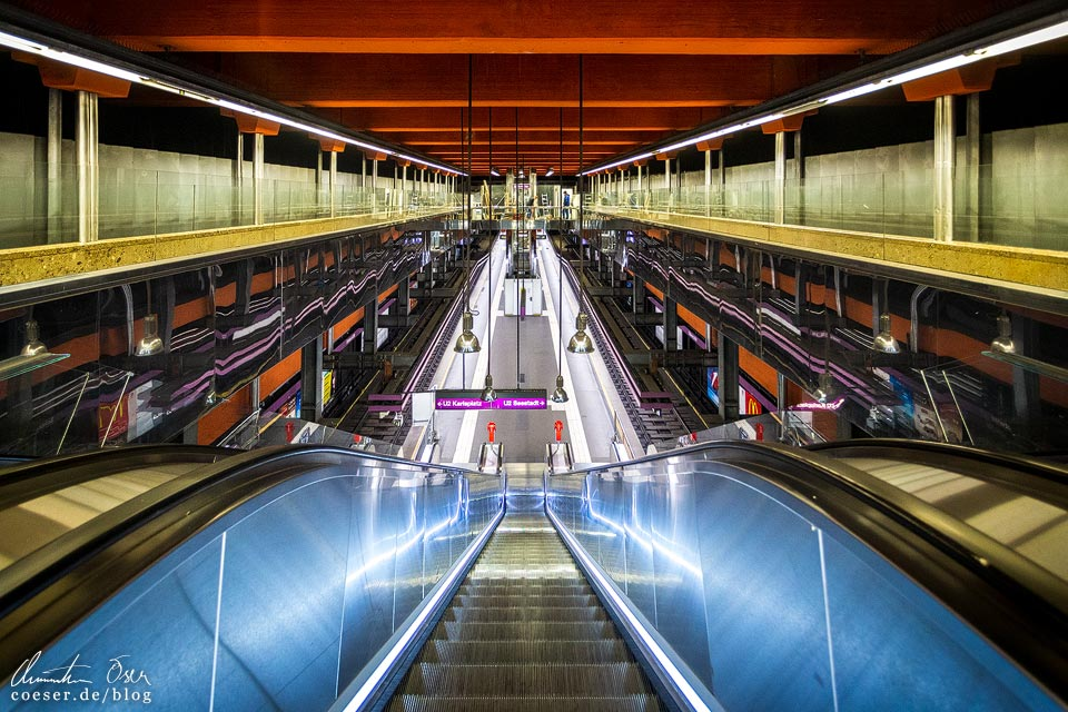 U2-Station Schottentor der Wiener U-Bahn · Architekt: Kurt Schlauss