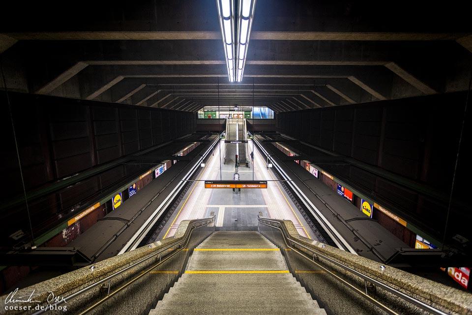 U6-Station Niederhofstraße der Wiener U-Bahn · Architekt: Kurt Schlauss