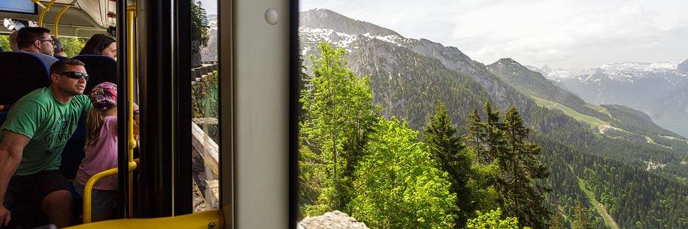 Busfahrt zum Kehlsteinhaus auf dem Obersalzberg in Berchtesgaden