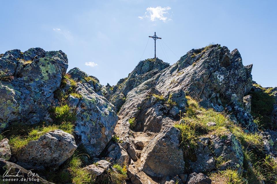 Gipfelkreuz Kreuzjoch auf der 3-Seen-Wanderung auf dem Hochjoch