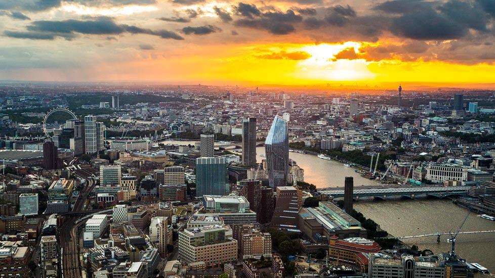 Sonnenuntergang über London von The Shard aus gesehen