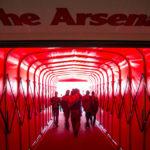 Spielertunnel im Emirates Stadium (Arsenal FC) in London