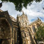 Außenansicht der Southwark Cathedral in London