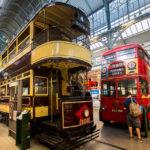 Alte Straßenbahn im London Transport Museum
