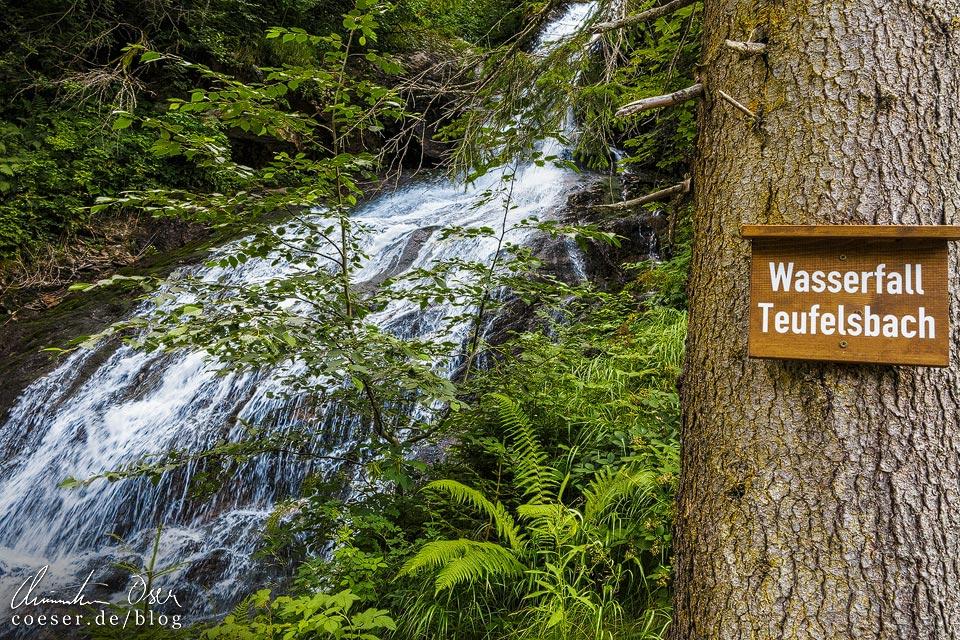 Der Wasserfall Teufelsbach auf dem Kristberg in Silbertal
