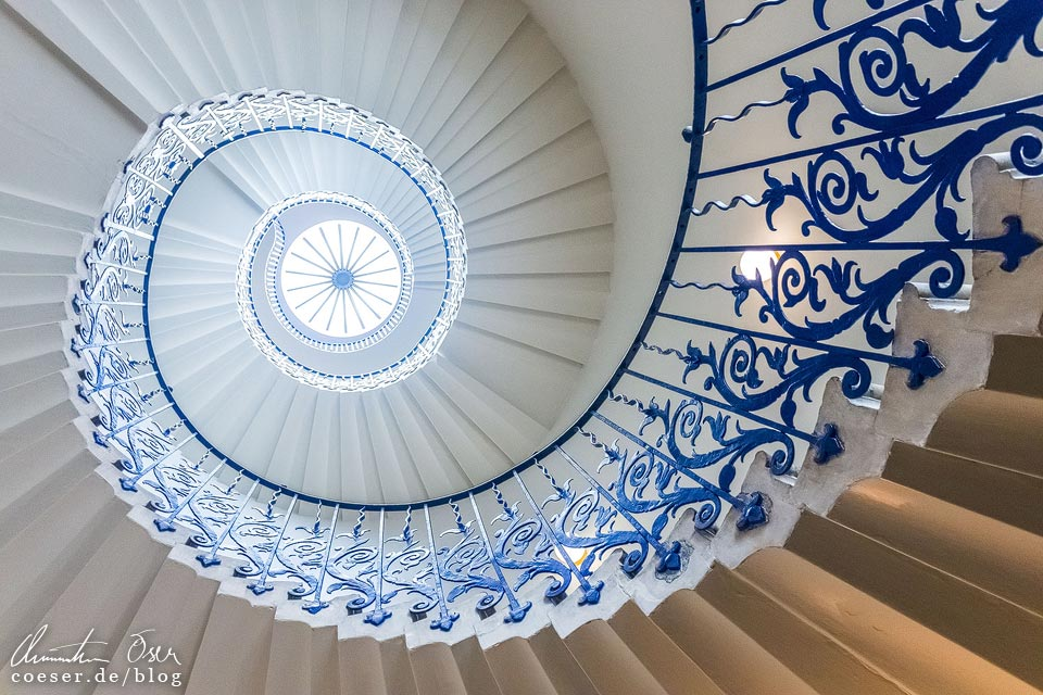 """Tulip Stairs"" Treppenhaus im Queen's House in London, England"
