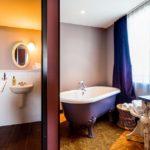 Badewanne in der Zimmerkategorie Large im 25hours Hotel Wien beim MuseumsQuartier