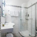 Bad im Doppelzimmer Classic im Hotel Goldener Ochs in Bad Ischl