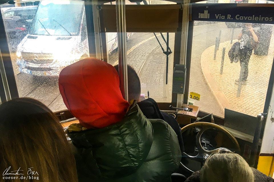 Fahrerkabine in der Straßenbahn (Tramway) in Lissabon