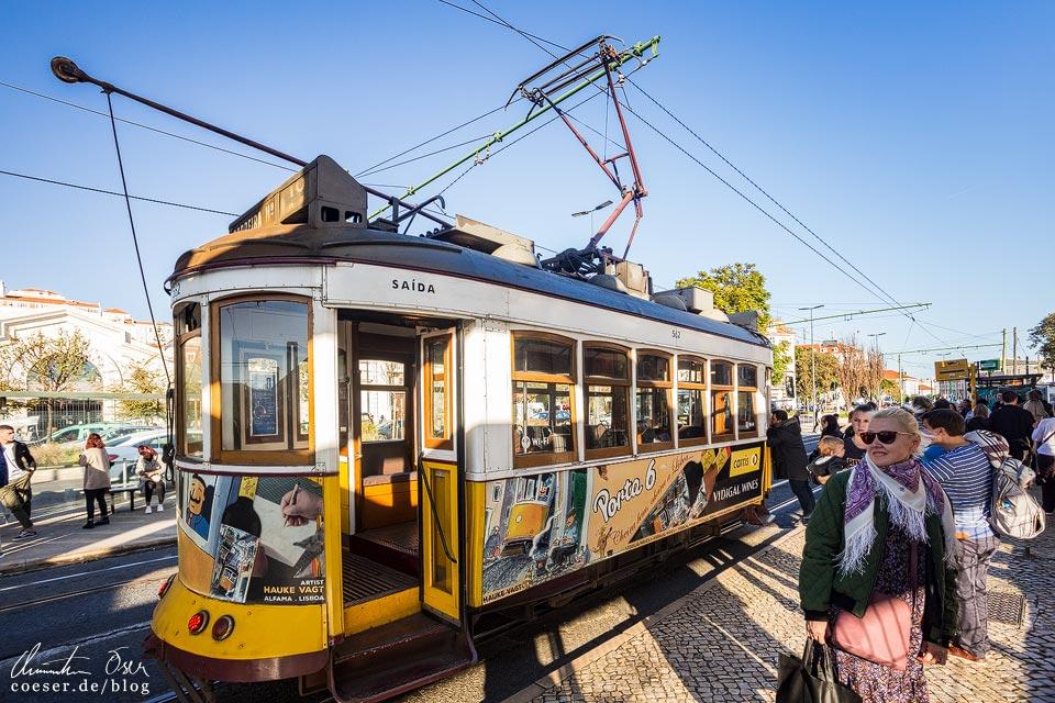 Alter und neuer Stromabnehmer der Straßenbahn (Tramway) in Lissabon