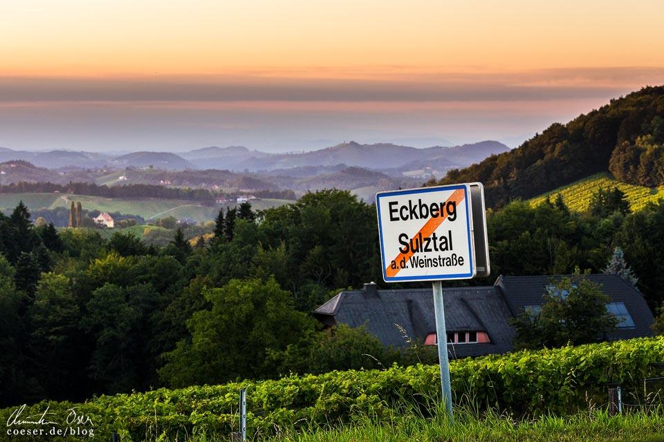 Sonnenuntergang, Landschaft und Weinberge in Eckberg in der Südsteiermark