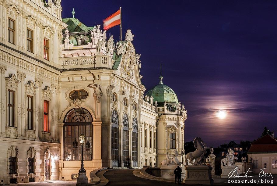 Fotospots Wien: Vollmond über Schloss Belvedere