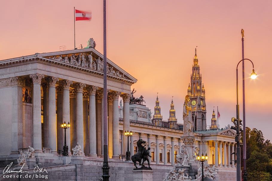 Fotospots Wien: Parlament und Rathaus im Sonnenuntergang