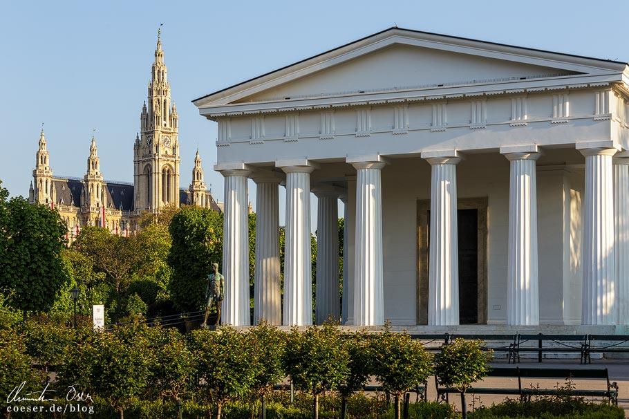 Fotospots Wien: Rathaus und Theseustempel