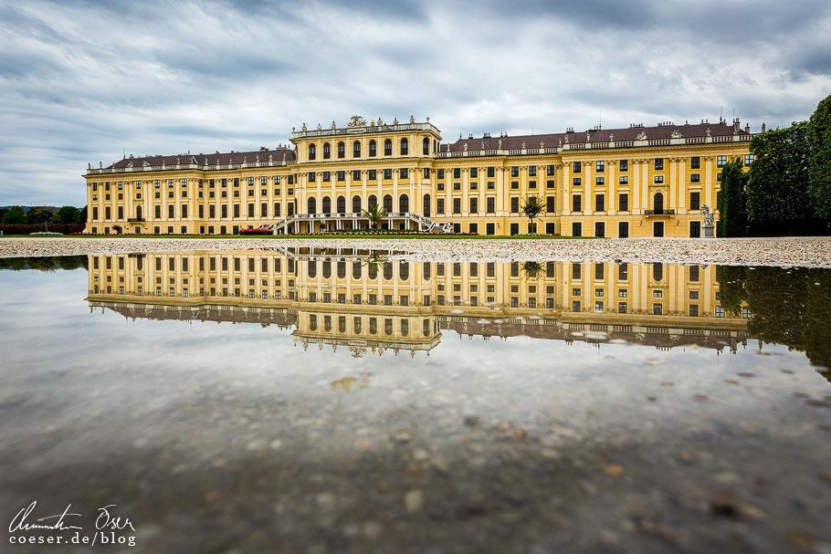 Fotospots Wien: Spiegelung von Schloss Schönbrunn