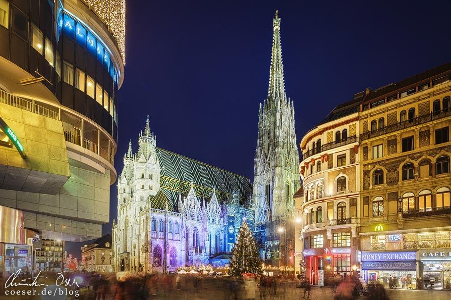 Fotospots Wien: Beleuchteter Stephansplatz zur Weihnachtszeit
