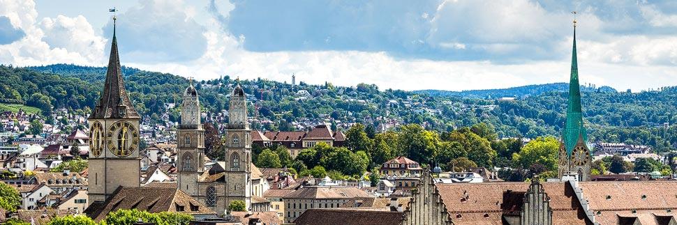 Blick auf Zürich und das Großmünster