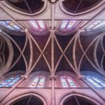 Innenansicht der Basilika Notre-Dame de Genève