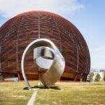 """Ausstellungsraum """"Globus"""" am Gelände des Kernforschungsinstituts CERN"""