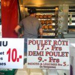Grillhendlstand (Poulet rôti) auf dem Markt von Carouge (Marché de Carouge)