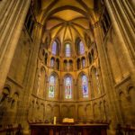 Innenansicht der Kathedrale St. Peter in Genf