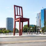 Kunstwerk Broken Chair vor den Vereinten Nationen (UNO)