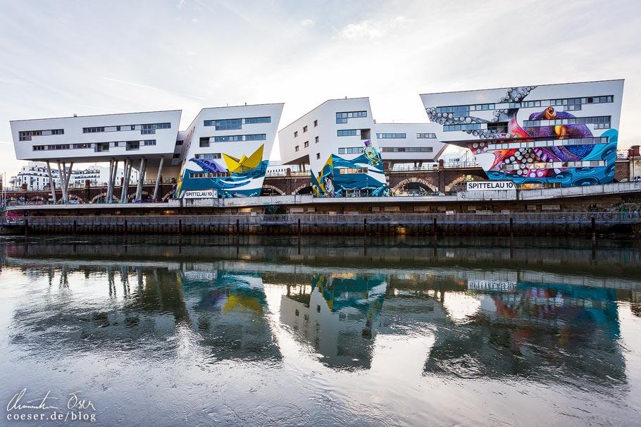 Zaha-Hadid-Haus mit Murals am Donaukanal in Wien