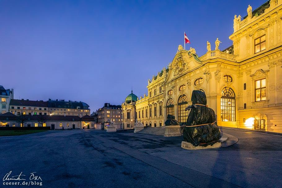 Weihnachtsmarkt vor dem Schloss Belvedere in Wien während der Coronaviruskrise