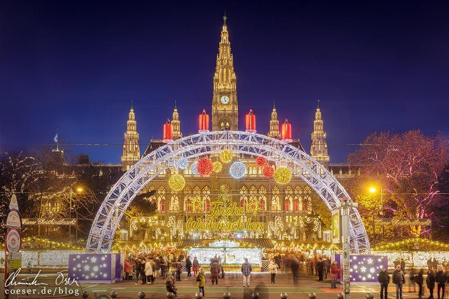 Christkindlmarkt am Rathausplatz in Wien
