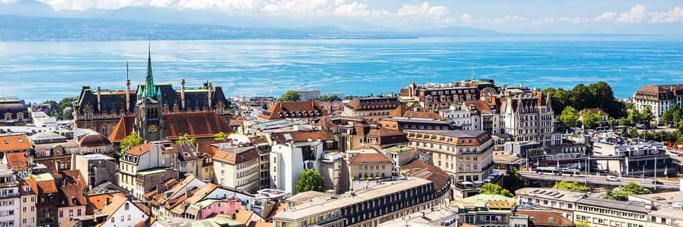 Stadtansicht von Lausanne mit Blick auf den Genfer See