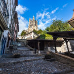 Blick auf die Kathedrale vom Fuß der Treppe Escaliers du Marché in Lausanne
