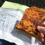 Trockener Schinken-Käse-Toast im Supermarkt Migros