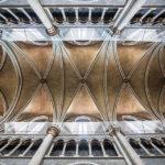 Deckengewölbe in der Kathedrale Notre-Dame in Lausanne