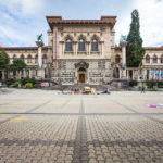Palais de Rumine auf der Place de la Riponne