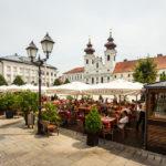 Restaurant auf dem Hauptplatz Széchenyi tér in Györ