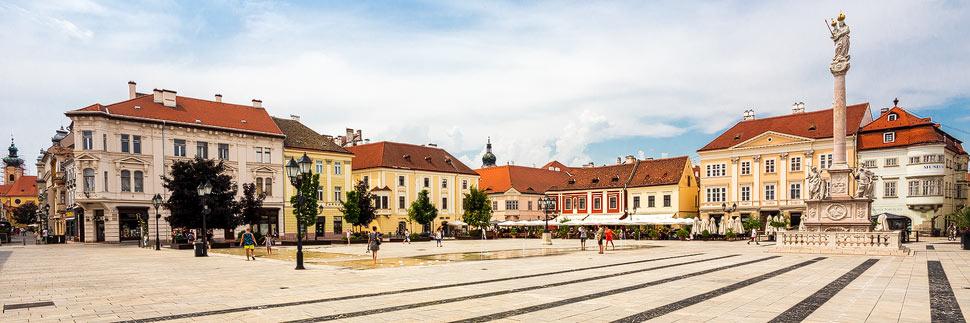 Platz Széchenyi térin in der barocken Altstadt von Györ