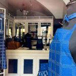 Kleines Geschäft Győri Kékfestő Műhely, in dem Blaudruck produziert wird