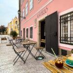 Café Kávébajusz in Györ