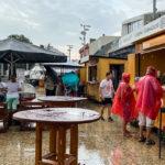 Regenschauer während des Fröccs-Festivals